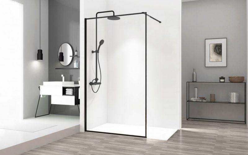 Kabina walk-in: praktyczne rozwiązanie, które sprawdzi się w małych i średniej wielkości łazienkach.