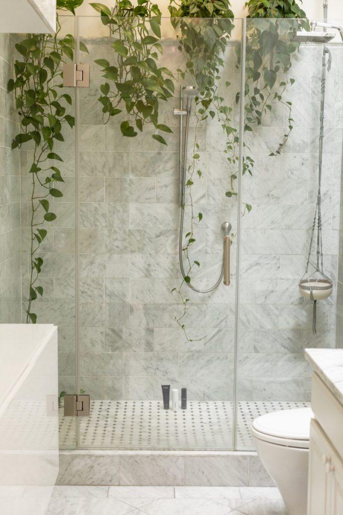Ścianki prysznicowe: podstawa udanej aranżacji