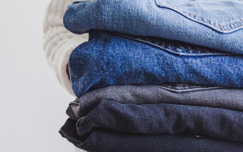 Czy jeansy się rozciągają?